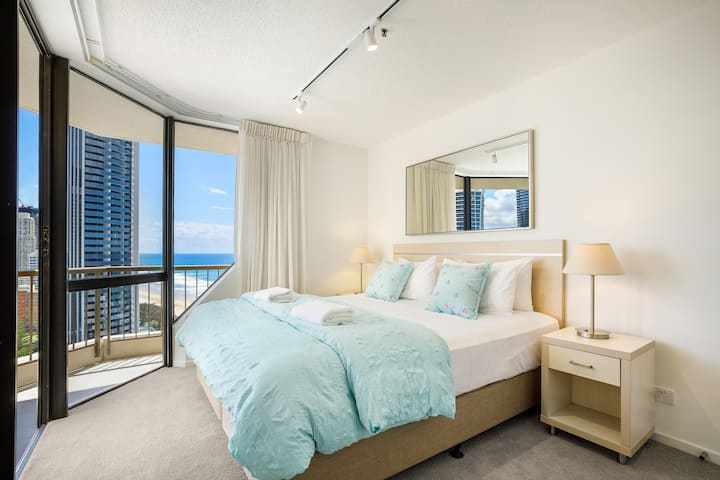 NEW Paradise Centre Level 22 1 Bedroom Ocean Views
