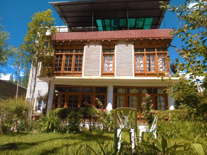 GREENVILLE GUEST HOUSE/BnB