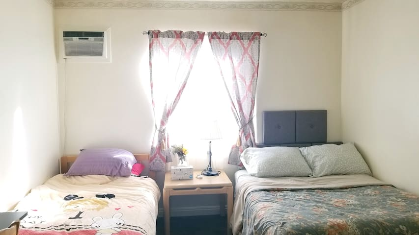 Cozy quiet room in Pasadena-very convenient place