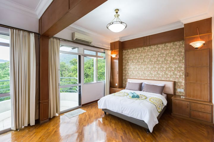 Sea Breeze Condo With Nice Hill View ⛨DISINFECTED