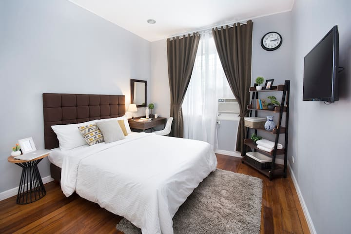 HOMEY AND COZY + CATS | 1BR IN MAKATI  (B)