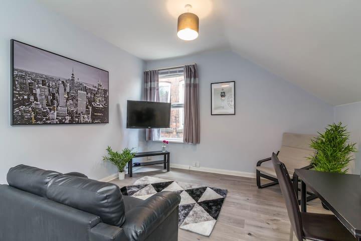 Woodborough Apartments, Apartment 3, Free Parking