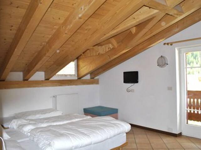 Floriano 10 posti letto - ampio appartamento