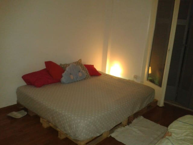 Cozy and spacious bedroom - Athina - Bed & Breakfast