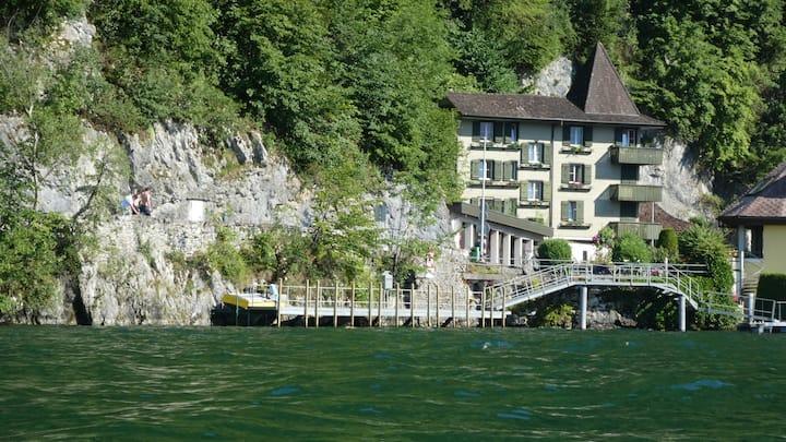 Casa Harissen sul Lago di Lucerna. W/C Privato.