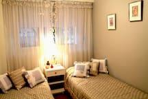 Bedroom N°2 - Dormitorio N°2