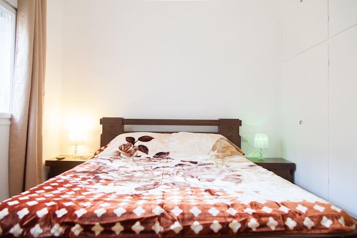 Уютная квартира с двумя спальнями. Доморя12мин.пеш - Haifa - Apartment