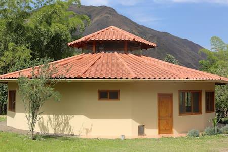 The Bamboo House - Vilcabamba - Hus