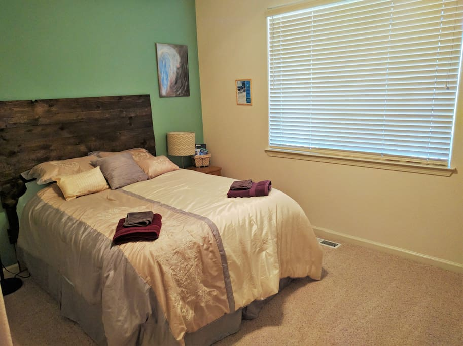 "Private bedroom with Queen size bed  Pam Said, ""Shandor 's house is really nice and clean. Everything is well organized and very informative. The bedroom is really nice and clean. The bed is very comfortable. It is very privacy for me."" Check out my over 150 reviews."