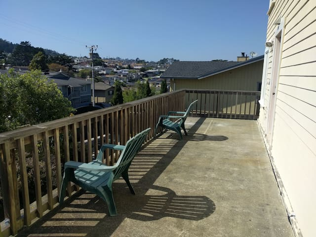 2bed 1bath in Rolling Hills Convenient SFO Airport - South San Francisco - Huis