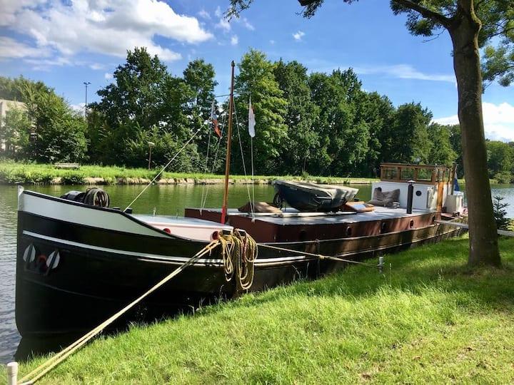 Houseboat (old cargo ship) in Jutphaas, Nieuwegein