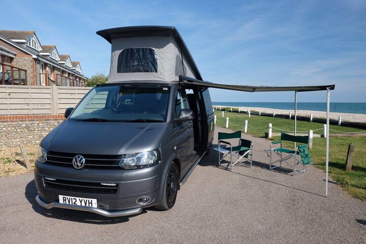 VW T5 camper auto 4motion sleeps 4 & can be driven