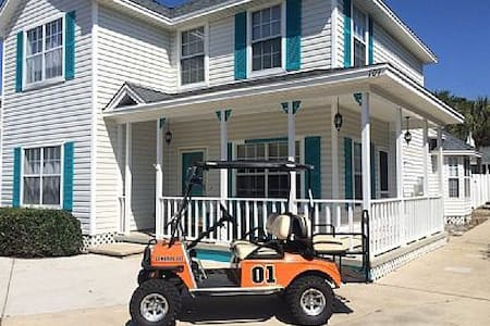 Destin 7 bd sleep 20+ Pool Golf Cart min to beach! - House