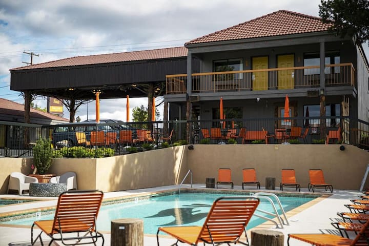 Near Outdoor Attractions, Comfy Units, Pool