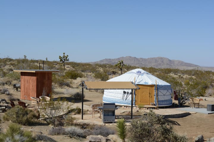 13 Best Spots For Glamping In Joshua Tree Ca And Its Trip101