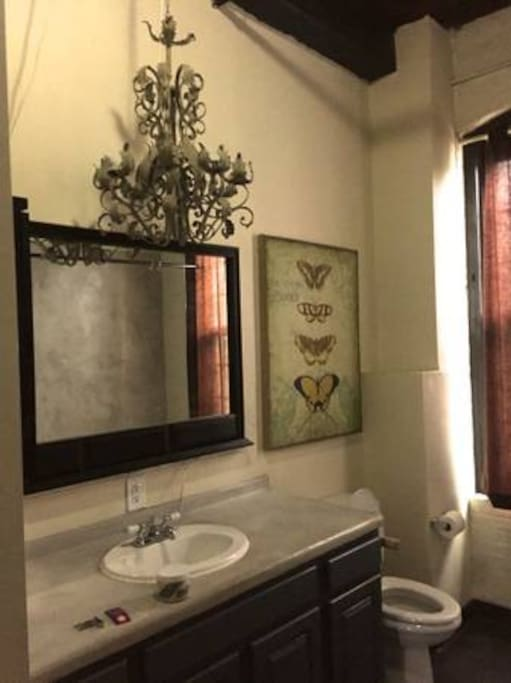 huge bathroom with washer/dryer AND jacuzzi tub with working jets