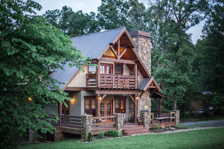 Gorgeous Mountain Retreat