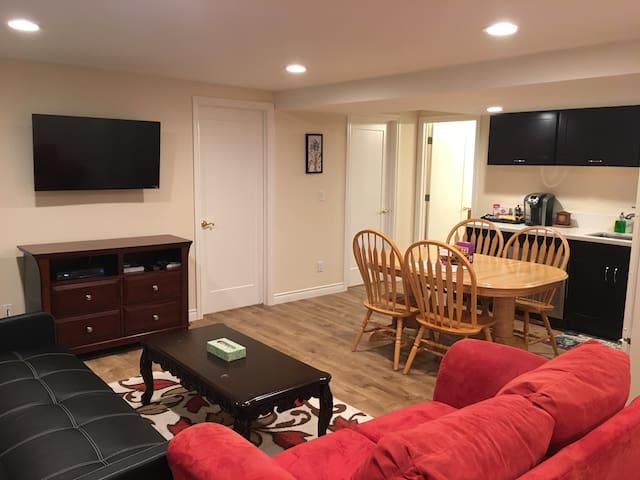 2BR full suite in Bellevue downtown