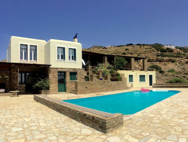 Amazing view villa,swimming pool - Mpatsi - Hus