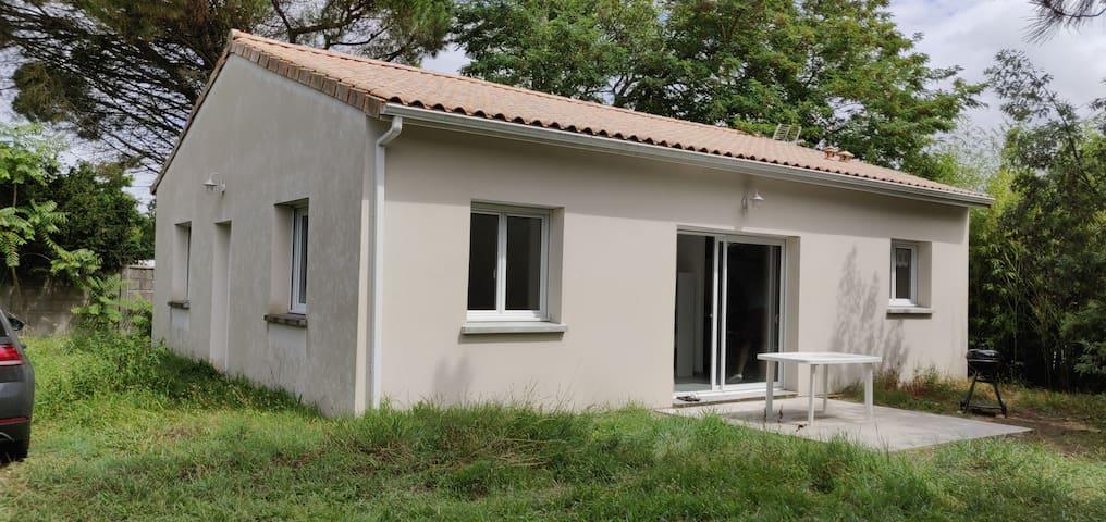 Location saisonnière à Cavignac proche de Bordeaux