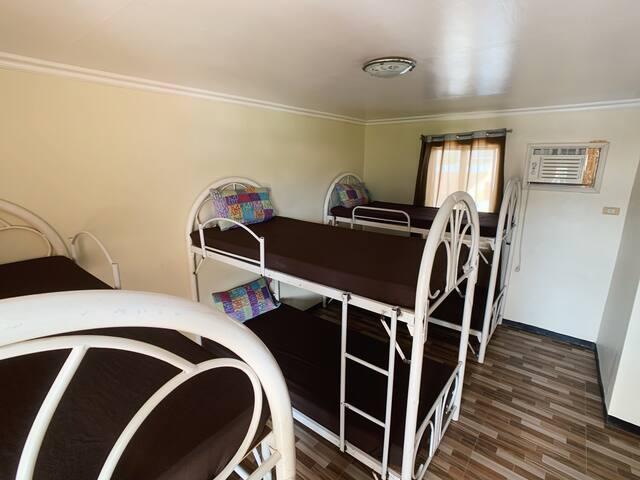 Yataq otağı 3
