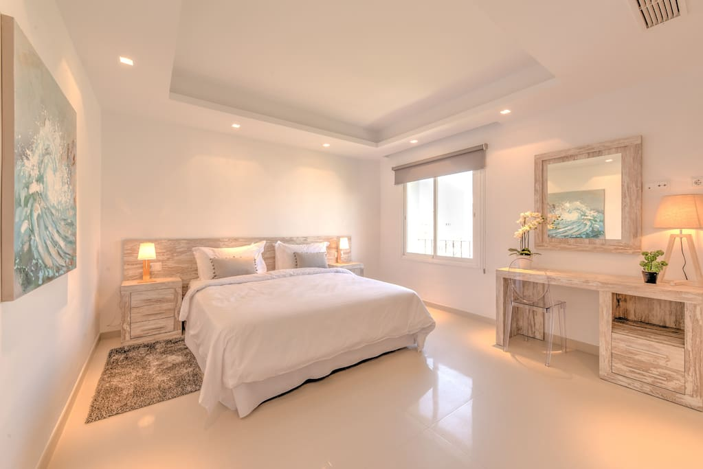 Master bedroom - so inviting