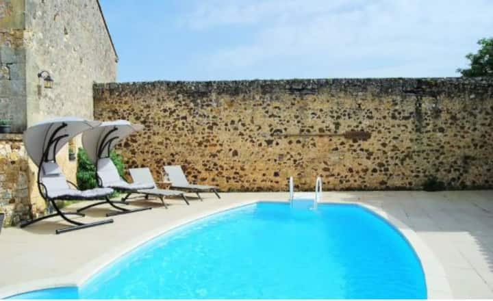 Luxury Gite with Pool in the Dordogne