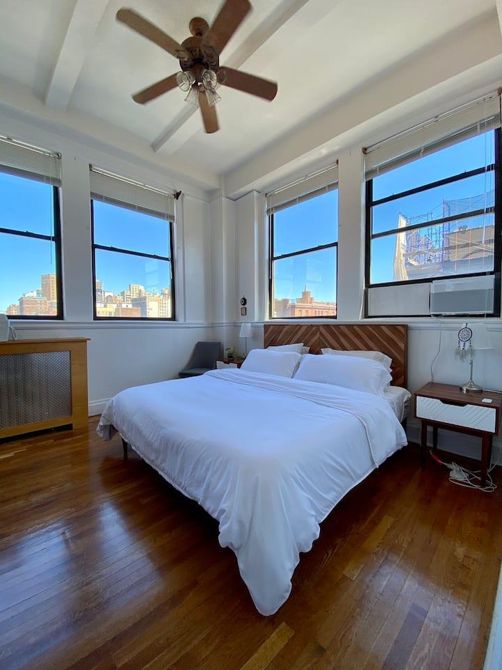 Bright, upscale loft apartment near Central Park