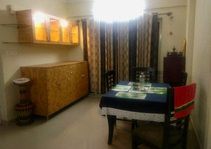 Comfy Stay with great Amenities and People - Bangalore - Apartamento