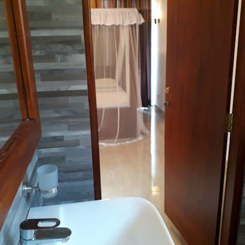 Unawatuna Galle New Comfortable A/C Deluxe Room
