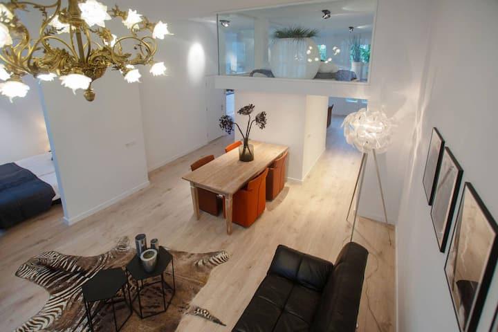 Private Deluxe Design Apartment I VONDELPARK | Balcony