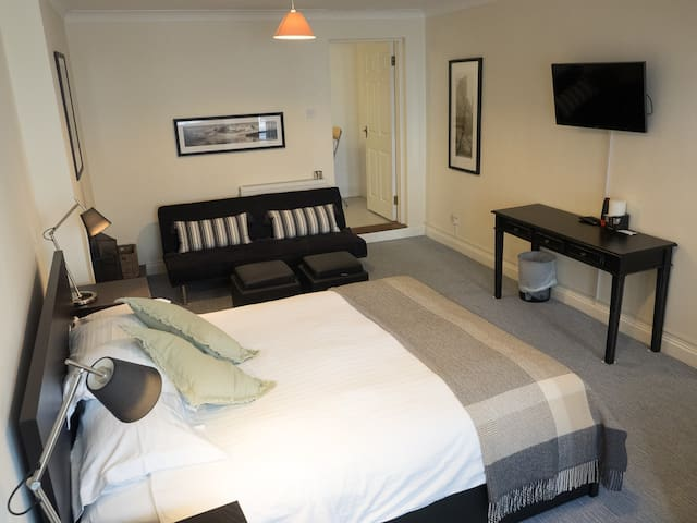 Stylish room by the water's edge - Kinsale - Apartment