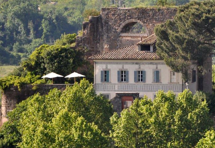 Villa of the Aqueduct