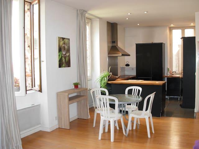 Chambre dans une ruelle calme/quartier historique - Cahors - Townhouse
