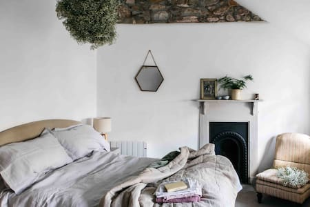Cosy coastal cottage in Marazion