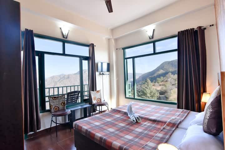 4 Bedroom | Beautiful View Clean Air | Bonfire