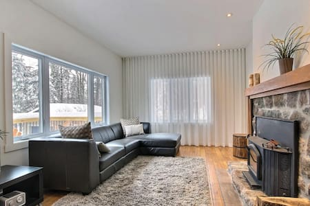 Cozy brand new cottage near Saint-sauveur!