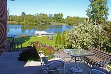 Seymour Lakefront - Brandon Township - 단독주택