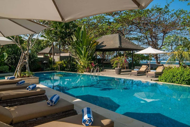 Absolute Beachfront Villa in Sanur