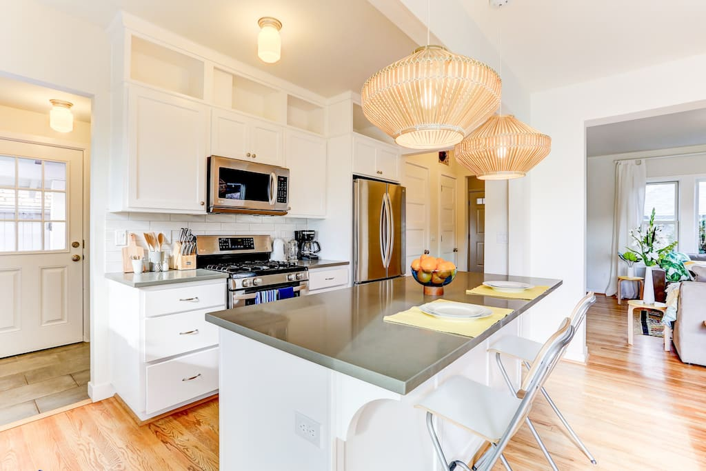 Great space for the kids to watch you cook. Or for friends to enjoy wine.