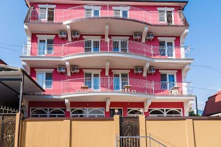 Гостевой Дом Dev-Life у побережья черного моря - Vardane