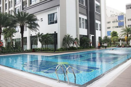 Brand-new 2BR apt in a modern complex - Ho Chi Minh City - Apartment