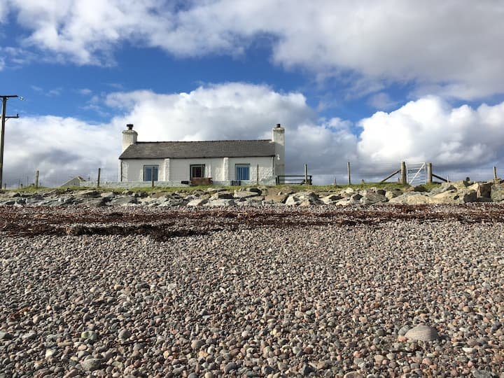 Bayview Cottage on the seashore nr stornoway