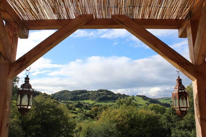 Caban y Bryn, Romantic Hill-top Hideaway in Powys