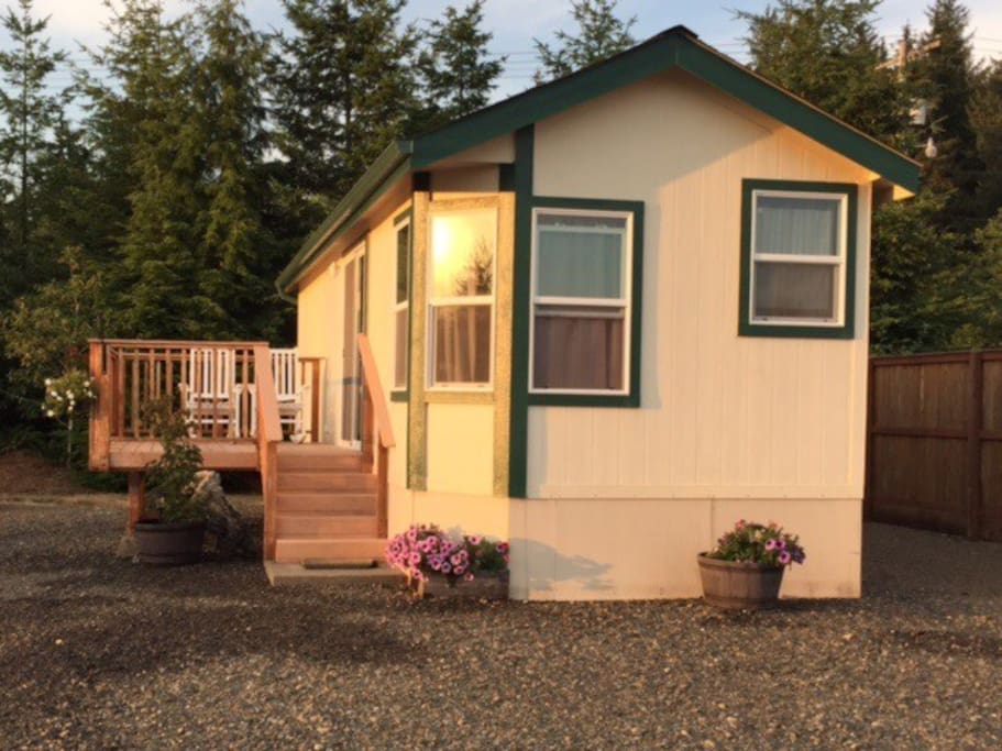Riverview retreat cabins for rent in forks washington for Washington state cabins for rent