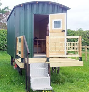Shepherd Hut peaceful fun,romantic - Upton upon Severn