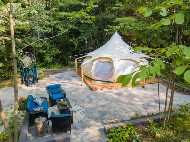 The Woodland Retreat Glamping Experience