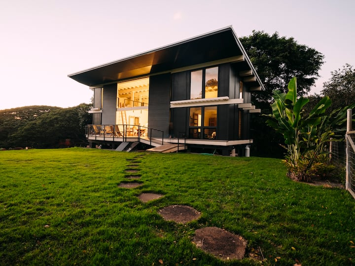 Modern Retreat in Nature, Off Grid, Wild, New Home