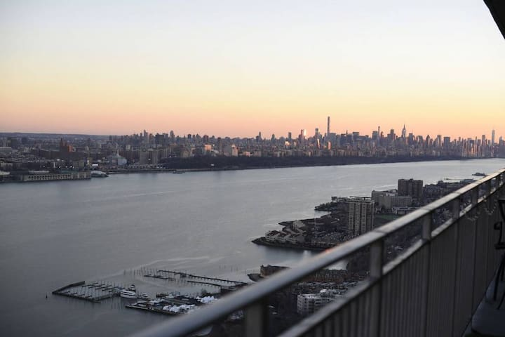 Private Bdr, Amazing views and just 10 min to NYC - Fort Lee - Appartement