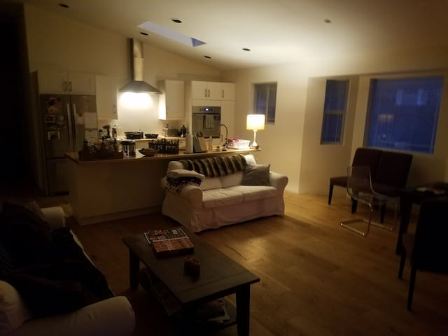 Cozy room near Old Mill & Deschutes River trail